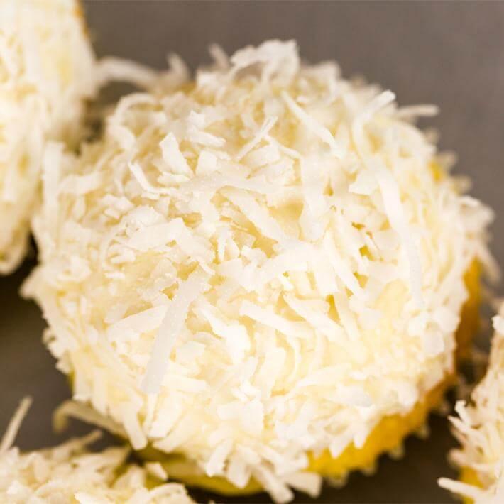 Keto Coconut Cupcakes